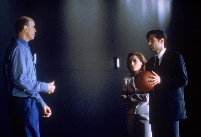 X-Files_S4_Still_025
