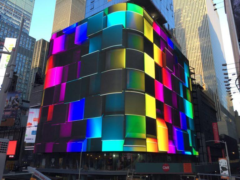 TIMES SQUARE, NEW YORK: La empresa detrás de los carteles más famosos del mundo