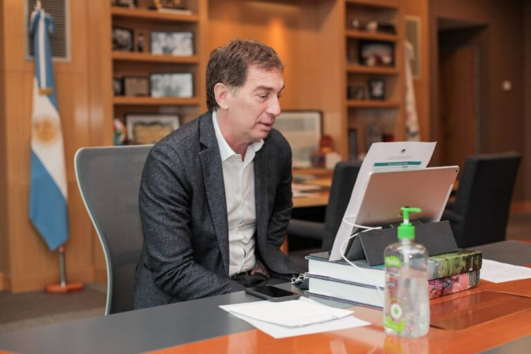 Santilli: «Nuestro futuro depende de sumar esfuerzos para construir una Argentina más justa e inclusiva», afirmó en el Foro organizado por Legislaturas Conectadas.